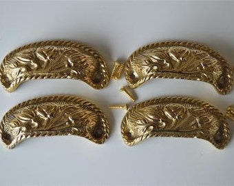 A set of 4 solid brass vintage style cup drawer handles c/w screws 2002