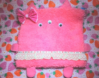 Baby Furry Monster Pouch (large)