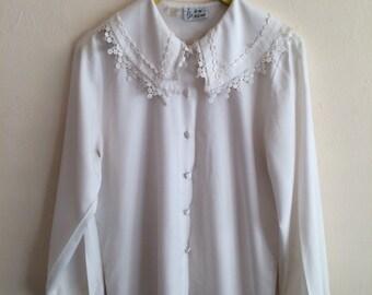 SALE Vintage 1980s white collar blouse
