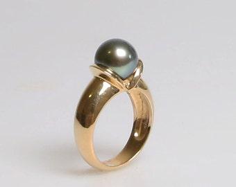 Tahitian Pearl Ring in 14K yellow gold