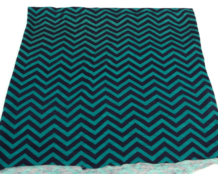 Patterned Jersey Knit Sheets : Green and Black Chevron Printed Knit Jersey Fabric 24 Inches