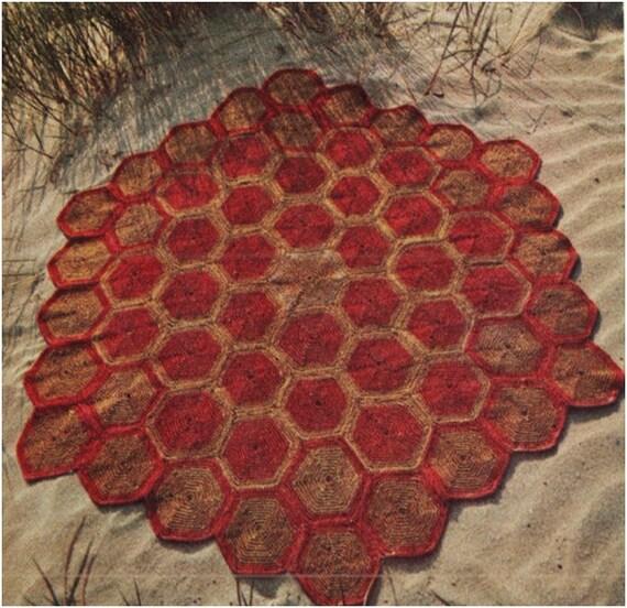 Vintage Effect Rug: Crochet Rug Pattern Vintage 70s Crochet Motif Hexagonal Rug