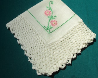 Doily,  Vintage Linen, Cotton Embroidered Placemat, Doilies,  Pink Flowers, Scalloped Edge, Home Decor, Table Linens, 1950s