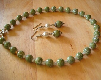 Olive Green and White Necklace Earring Set