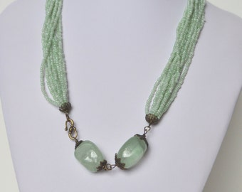 Vintage Pale Green Chunky Quartz Seed Glass Bead Necklace