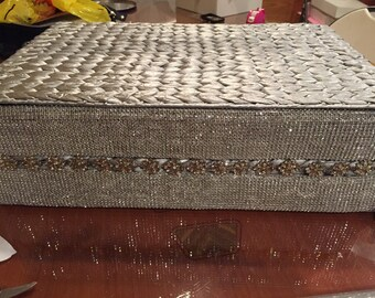 Sparkely wicker basket with crystals