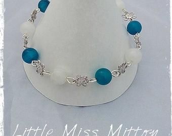 Blue and White Agate Beaded Bracelet, Beaded Bracelet, Budget Gifts