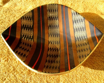 Sumptuous 60s German ceramic, rich ethnic style - small chip