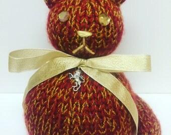 Hogwarts House Knitted Cat Plushes - Gryffindor / Slytherin / Hufflepuff / Ravenclaw