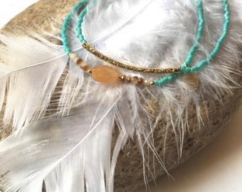 2 bracelets turquoise trend for summer, mineral beads and gold metal