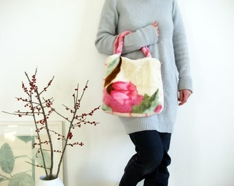 cosy plush handbag with flowers in pink jade and sienna