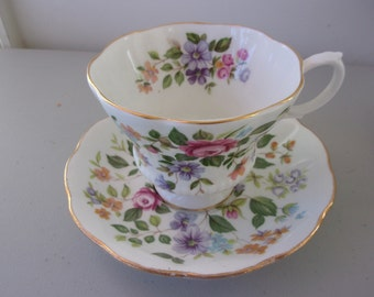 Vintage Royal Albert Tea Cup & Saucer - Multicolored Flowers - Mint
