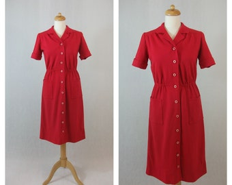 60s vintage dress. Shirtwaist red dress with pockets. Made in Spain. Size M - L.
