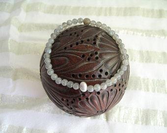 Labradorite and pearl bracelet water
