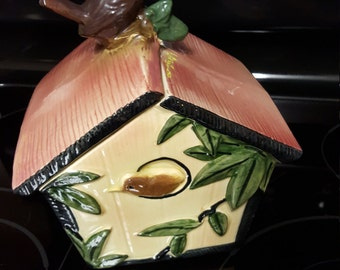 McCoy Wren Bird House Cookie Jar (Older Jar)