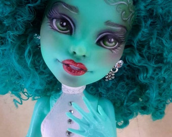 OOAK Custom Monster High repaint Honey Swamp by Magnifikdolls
