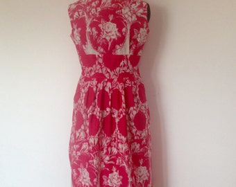 Gorgeous, fushia pink 1950's summer cotton dress in a UK size 14.