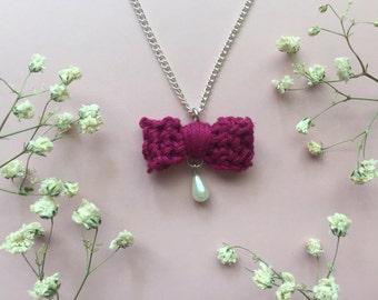 Crochet Bow Necklace - Magenta