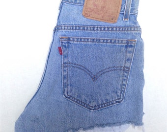 LEVIS Highwaisted- SZ 4/5