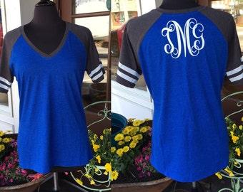 V-Neck Raglan Short Sleeve Shirt with back Monogram