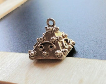 Victorian 800 sterling pyramid pendant
