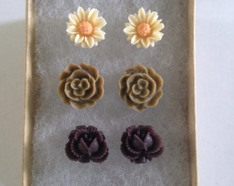 Set of Ivory Daisy and Brown Flower Stud/Post Earrings