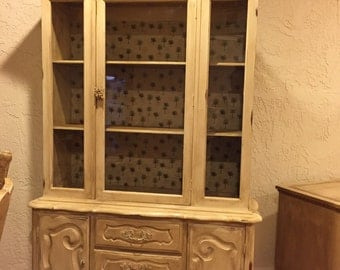 SOLD***SOLD***SOLD****Beautiful Hutch