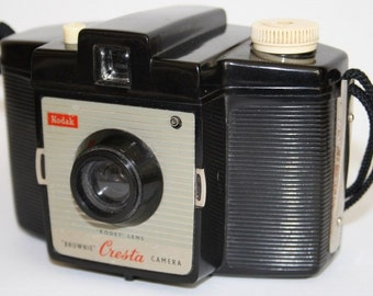 Vintage Camera Kodak Brownie Cresta I Good Condition Kodet Lens UK SELLER