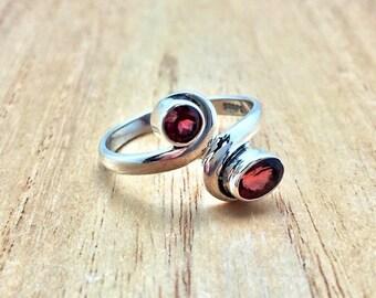 Multi Stone Silver Garnet Ring // 925 Sterling Silver // Oval Cut //  Simple Setting
