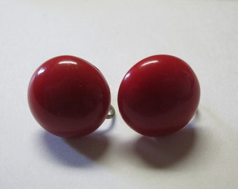Vintage Round Red Screw Back Earrings / Costume Jewelry / Estate Jewelry