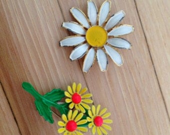 Pair of Vintage Daisy Pins