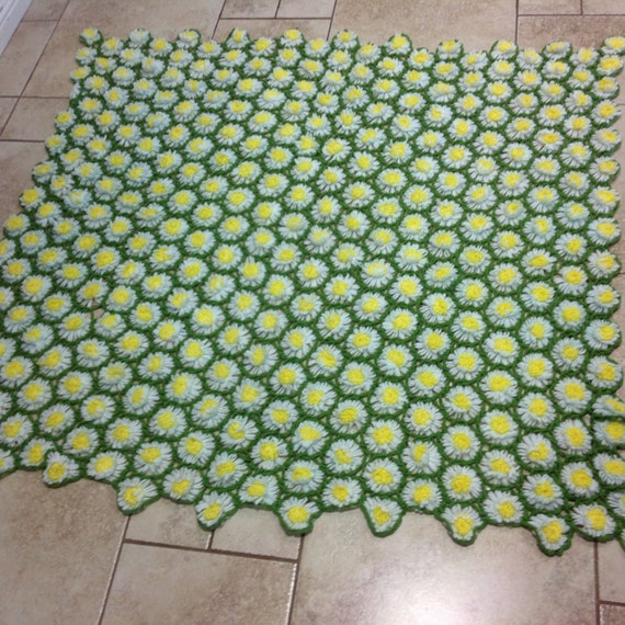 Vintage 1970's Loom Crochet Daisy Flower Afghan By