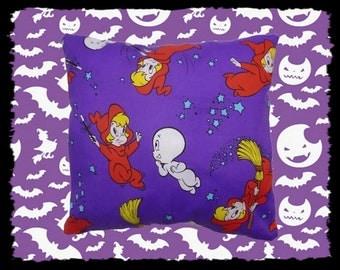 Casper & Wendy Small Cushion