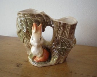 Eastgate Pottery Withernsea Fauna Rabbit Double Posy Vase Like Hornsea Mid Century Kitsch England Cute Spring Gift