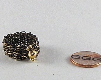 Ring - Black & Gold Chain (R053)