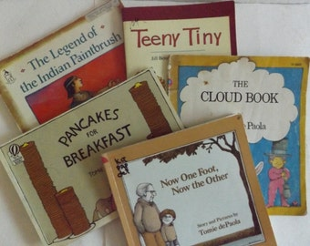 Tomie dePaola Collection: Set of Five Paperbacks