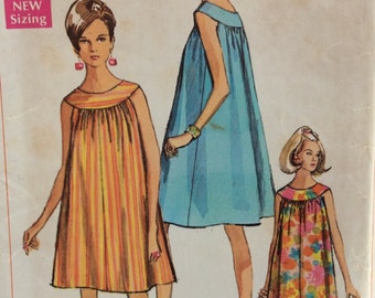 Simplicity 7597 misses muu-muu or nightgown size 8-10 bust 31.5 - 32.5 vintage 1960's sewing pattern