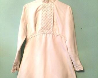 70s VINTAGE Long EMPIRE Waist - Hippie / Folk WHITE Winter Wedding Dress 70s - uk Size 8 (187A)