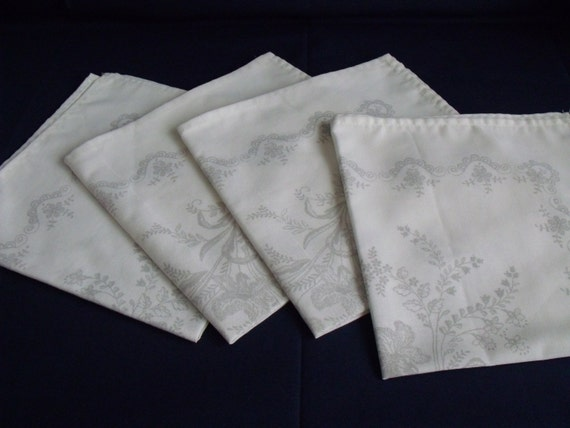 vintage table linens to embroider, ready to sew napkins, set of four to sew, printed serviettes