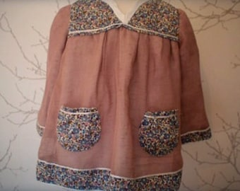 Girl's top in linen and Liberty of London fabric.