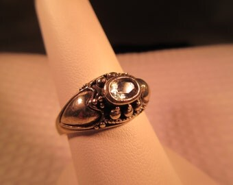 Cool Vintage Sterling Silver Sage Green Gemstone Ring - 9.5