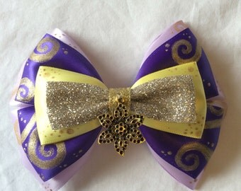 Gleaming Flower Bow