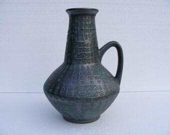 Carstens Fat Lava vase