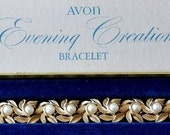 Avon Pearl Leaf Bracelet Gold Tone Vintage Evening Creation 1971 6mm Round White Beads Florentine Brushed Wide Curved Links