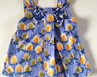Girl's top - age 2 - bow detail in blue clover print - handmade