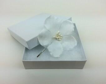 Ivory flower hair pin, flower headpiece, wedding hair accessories, flower hair piece, bridesmaid hair pin, flower girl, ivory hair pin