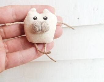 Plush Cat pin brooch, Animal brooch, Mini cat plush, Cat pin, Cat brooch, Cat Plush Brooch, Animal Plush, Cat Plush Toy Gift FOR Cat Lover
