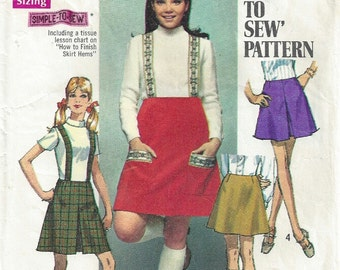 1960's Mini Skirt A Line Suspenders Patch Pockets Pleat How to Sew Easy Simplicity 8363 Size 18 Waist 31 Hip 42 Vintage Sewing Pattern