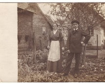 Family portrait, couple in the garden, fashion - Antique real photo postcard, rppc, Austria ca 1910 - Collectible vintage card (B226)