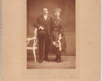 Edwardian couple wedding portrait, marriage  - Large antique mounted photograph, photo, steampunk 1900 - Collectible vintage picture (B294)